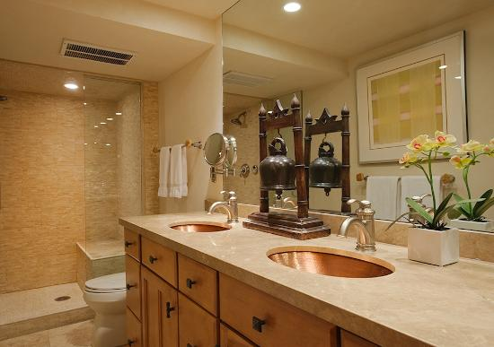 aspen alps condominium bathroom