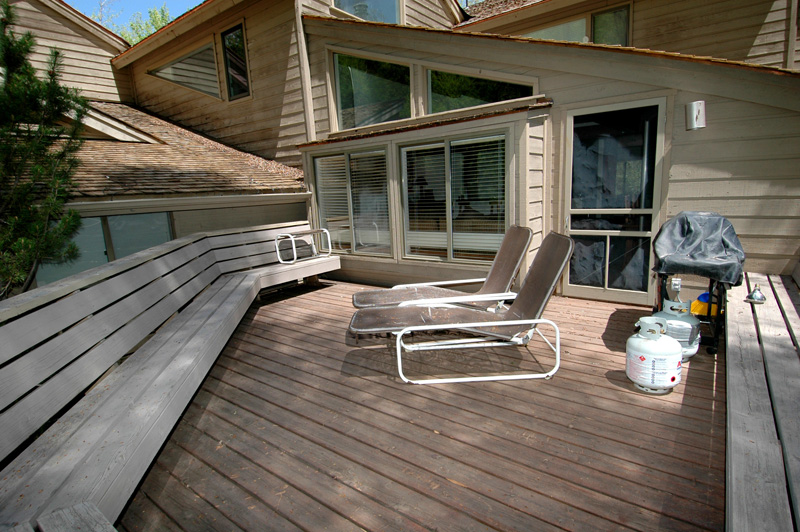 black swan outdoor deck