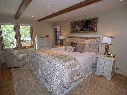 hopkins luxury chalet bedroom