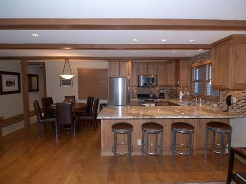 hopkins luxury chalet kitchen, dining