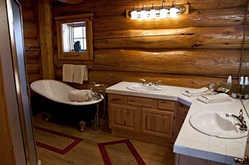 wild horse inn bathroom
