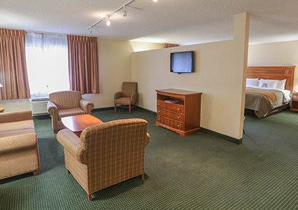 comfort inn suite with living room