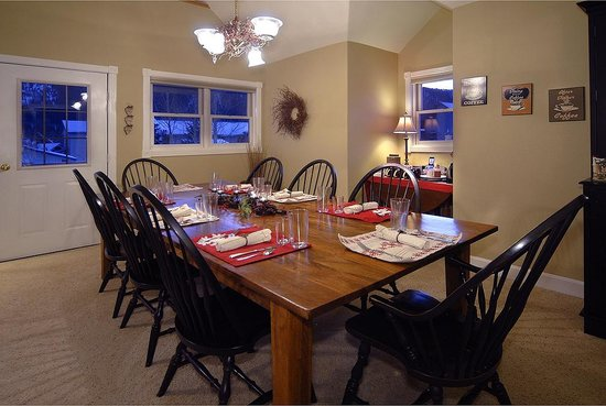 the ruby of crested butte dining area