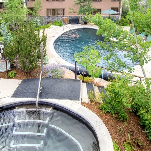 aspenwood condominiums jacuzzi, hot tub