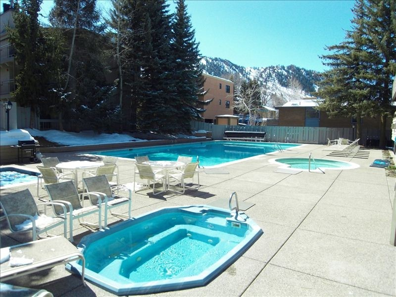 chateau roaring fork heated pool, jacuzzi tub