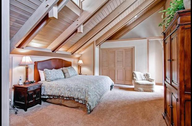 mountain valley retreat bedroom