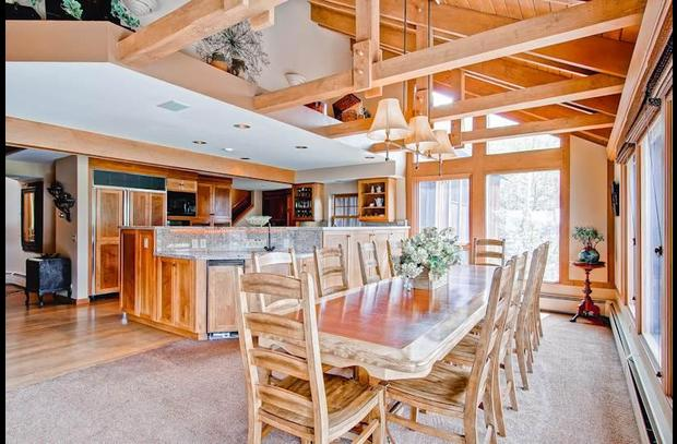 mountain valley retreat dining, kitchen
