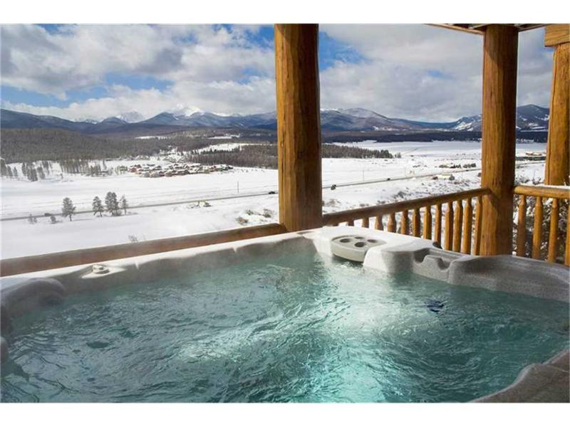 spruce ridge townhomes hot tub