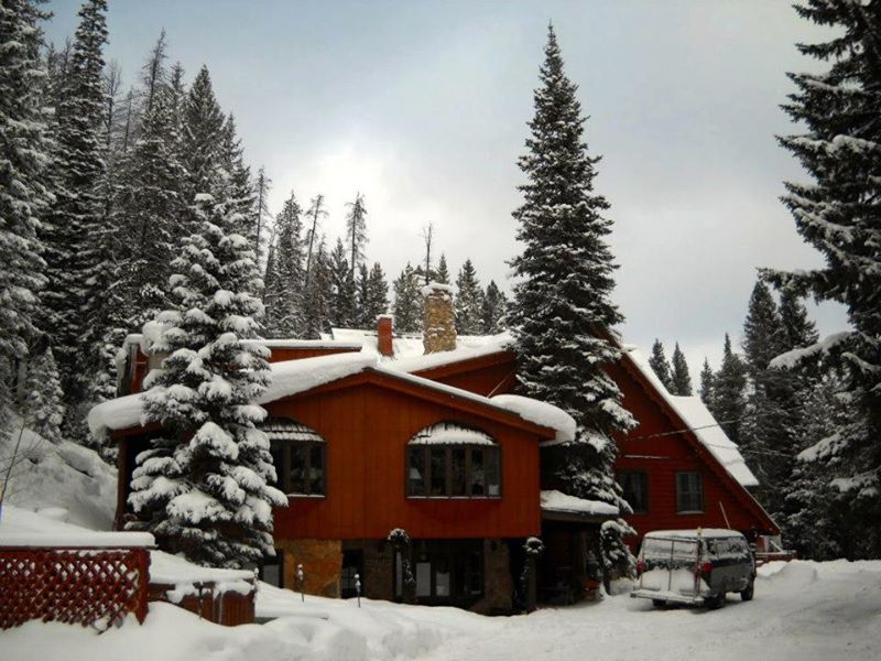 timber house ski lodge exterior