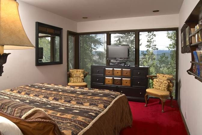 black bear lodge snowmass bedroom