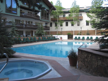 lodge at vail pool
